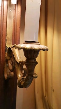 Two sconce lights & solid wood king h East Rockaway, 11518