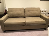 80 inch Couch Alexandria, 22312