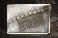 Like new! 40$ value! Comb with pearls for wedding, prom, bal, mariage / Comme neuf! Valeur 40$! Peigne avec perles! Montréal, H3C 1G8