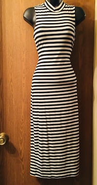 *EXCELLENT CONDITION* Black and White Pattern Size Medium Stretchy Summer Dress  Merced, 95341