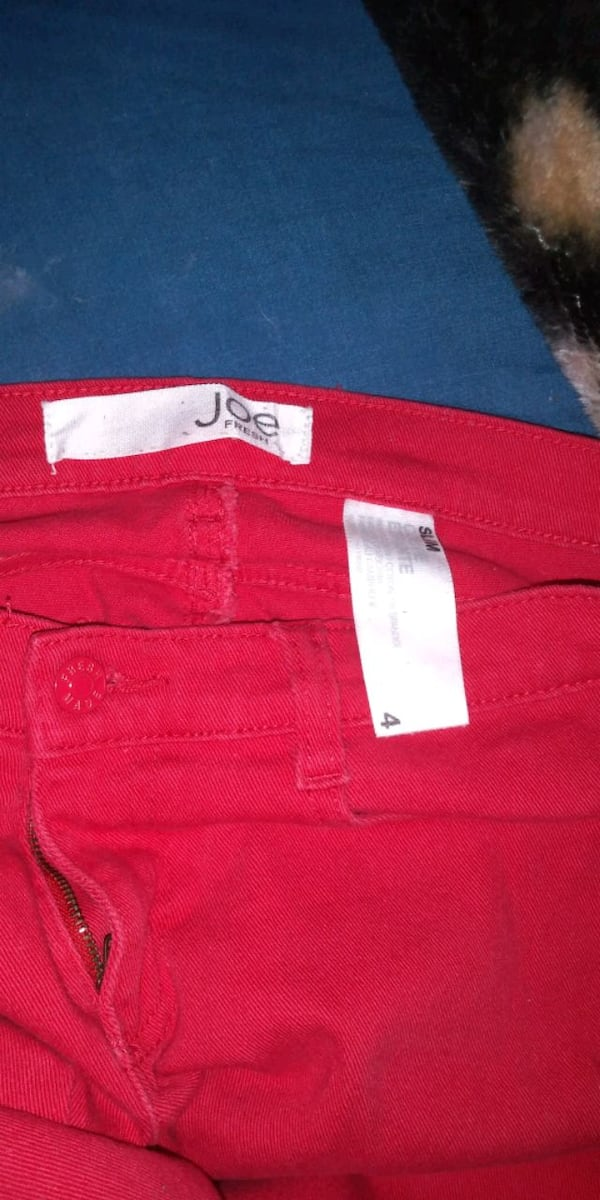 Joe Fresh / Fire engine red / 6b90c84c-71cd-4c38-991a-991eaf0cb391