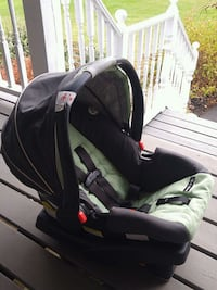 Graco Baby Car Seat New Lowell, L0M 1N0