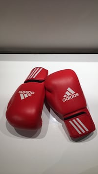 Adidas 10oz Boxing Gloves St Catharines, L2T 3Y7