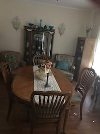 Dining room table w/6 chairs and a leaf Merced, 95348