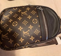 Louis Vuitton Chest Fanny pack  Surrey, V4N 6E1