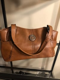 Brown leather tote bag w/ matching wallet West Chicago, 60185