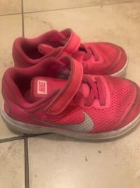 Nike toddler shoes size 9  Vaughan, L4J 0H1