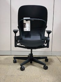 Steelcase LEAP V2 Petite in Black #52