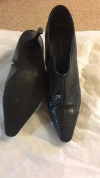 Pair of black leather pointed-toe heeled shoes Gatineau, J8P