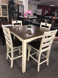 Honey W. 5-Piece Dining Set