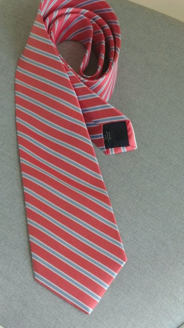 Men's tie 100% silk USA made Collared Greens stripped 23360381-f1dc-49fe-8920-cd3b1fda6305