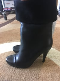 Pair of black leather boots size 6 Toronto, M1B 2P4