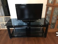 """32"""" TV with stand Quantico, 22134"""
