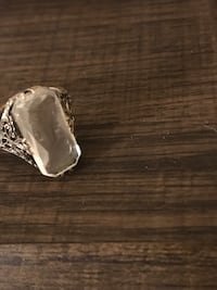 Glass cameo ring
