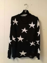 Star sweater Burnaby, V5H 3M6