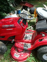 red and black Troy-Bilt ride on mower Beaumont, 77703