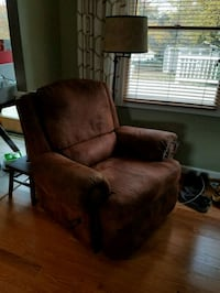Leather, suede material recliner Gaithersburg, 20879