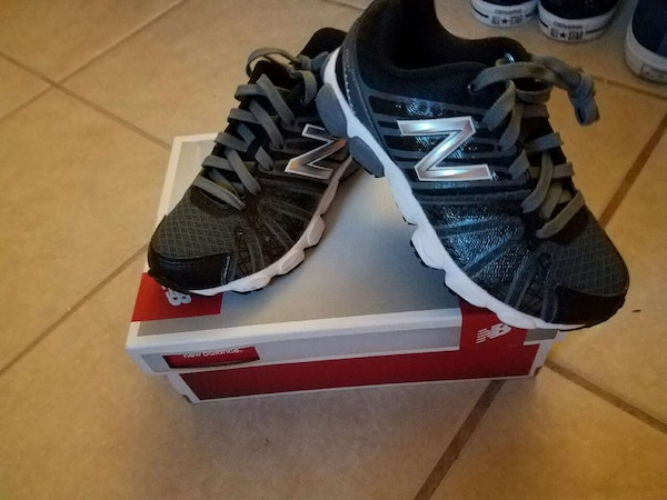 Used new balance black running shoes for sale in Orlando - letgo 3a0b9840bf