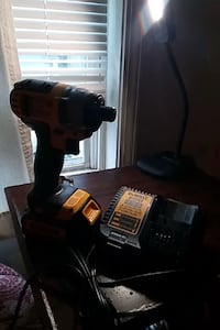 Dewalt 20v with charger like new Charlotte, 28208