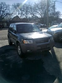 Ford - Escape - 2002 ONLY 76,000 MILES