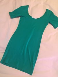 Green fitted dress Lethbridge, T1H 4A4