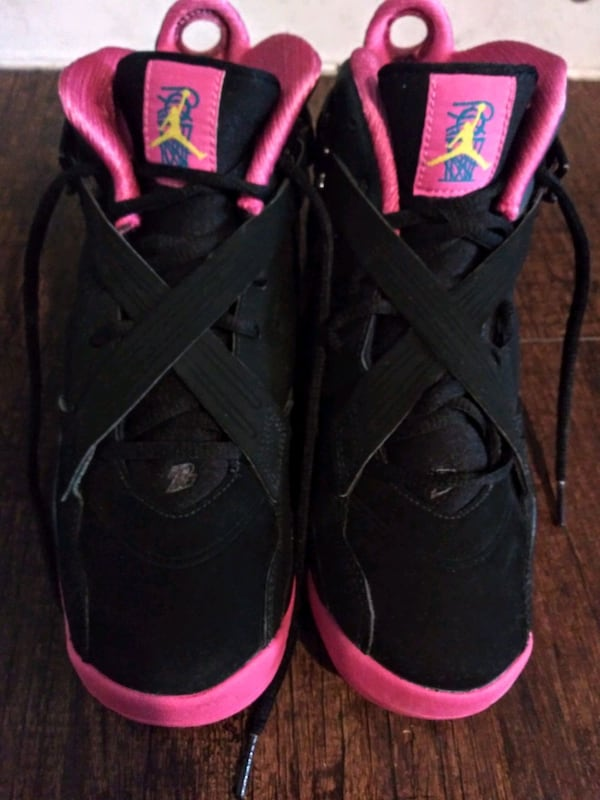 REDUCED***GIRL'S SIZE 7 YOUTH JORDAN SHOES!*** 686cfd6d-5250-46d7-b11c-8a2412a74839