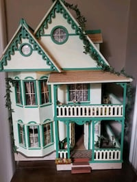 2.5 ft doll house fully finished and furnished