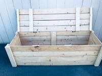 brown wooden pallet with hooks Moses Lake, 98837