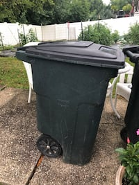 Tote Trash cans Parkville, 21234