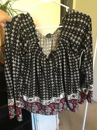black and white floral long-sleeved dress Muncie, 47303