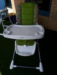 baby's white and green high chair Milton, L9T 2G1