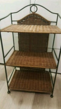 Wicker shelves 2289 mi