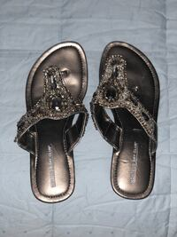 Free size 6.5 flip flops-pick up only Severna Park, 21146