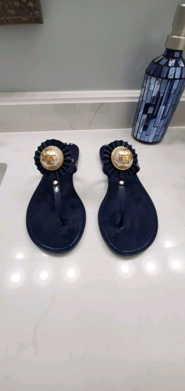 Size 5 Tory burch sandals 0