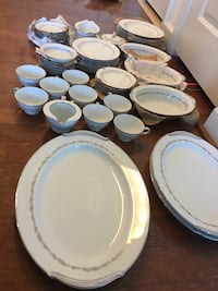 Noritake china (from Japan) crestmont 40 km