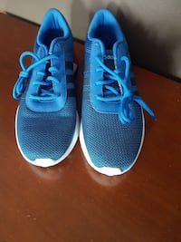 pair of blue Adidas size 9