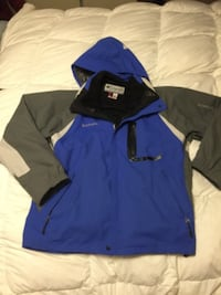 Columbia Winter Jacket - almost new. Moving to BC & must sell. 549 km