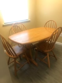 4 seated dining set West Chester, 19382