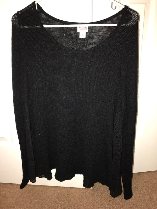 fe165416ba Used black scoop neck long sleeve top for sale in Courtland - letgo