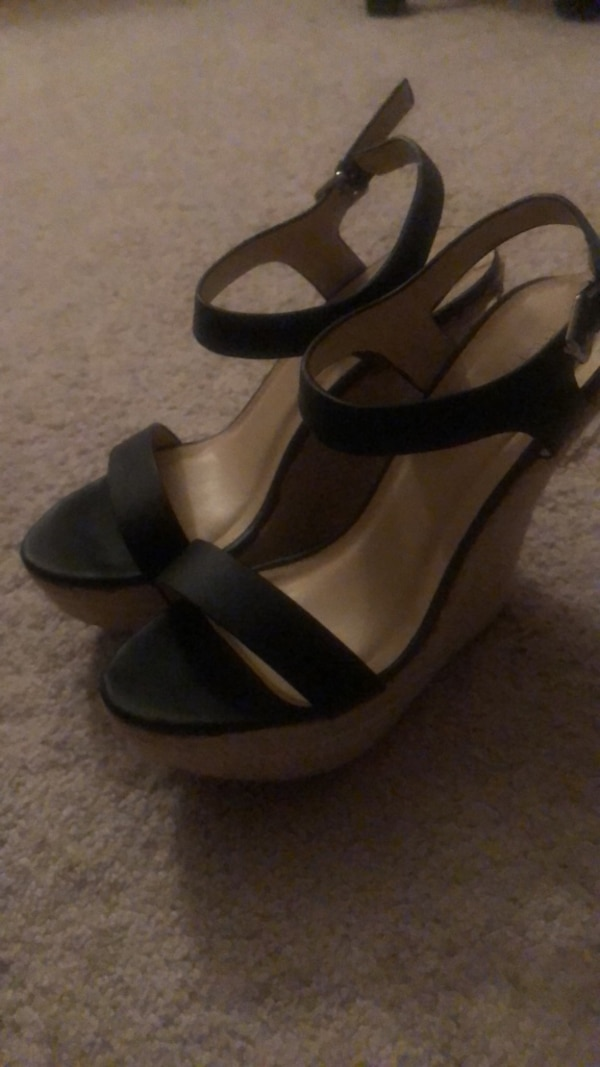 High heel/wedge (it's really for people who wants to look taller)