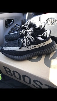 8d292bbc2fb Used Adidas Yeezy Boost 350 v2 Oreo white stripe for sale in Las Vegas