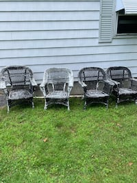 Wicker Chairs (4)Need Paint, will be like new. Bedford, 01730
