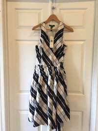 Beautiful Ralph Lauren dress great for graduations or any cocktail party. New with tags. Size 8.  Alexandria, 22310