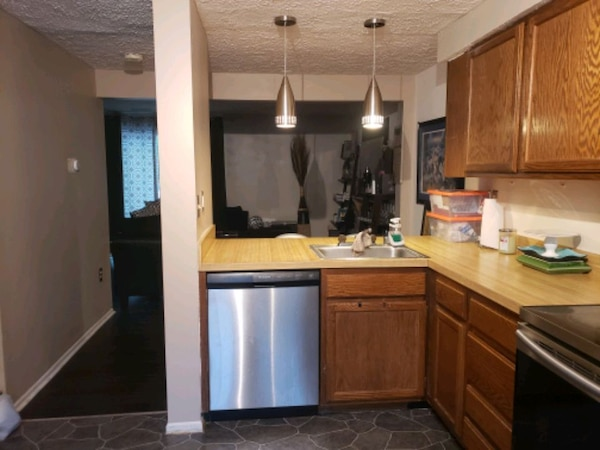 HOUSE For Rent 3BR 1.5BA 12e645a4-bc96-4f41-9cd7-3dcafe9201fc
