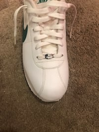 Men's size 11 like new wore once  Richmond, 47374