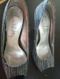 Size 7M Black and Silver
