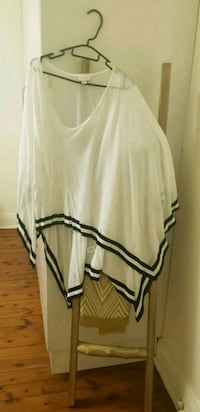 Witchery poncho or top Bankstown, 2200