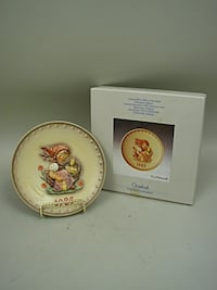 "Hummel 1985 Annual Plate MIB ""Chick Girl"""