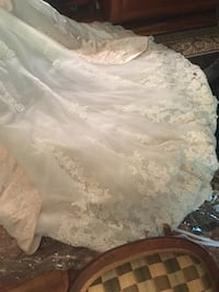 Ivory an rum color wedding dress Harpers Ferry, 25425