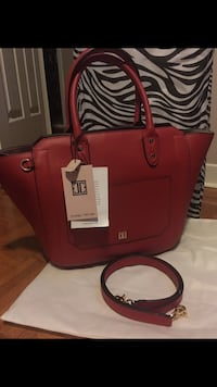 NEW WITH TAGS IVANKA TRUMP LEATHER AUTHENTIC Montréal, H4L 3M8